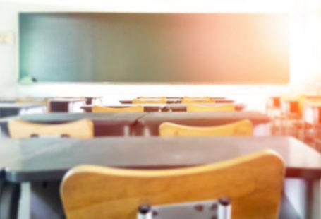 Leere Klasse in der Schule